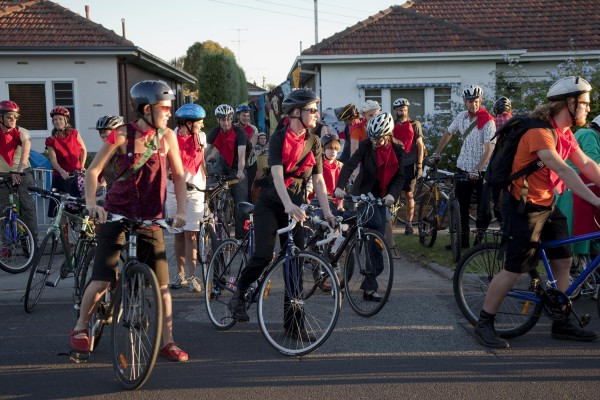 RIDE-ON-DINNER, A swarm of cyclists led on a slow urban meal adventure, 2006 – 2010